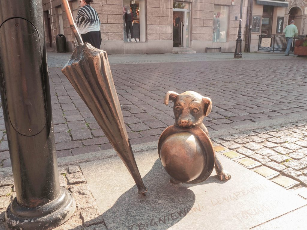 Filus the Dog Statue, Torun, Poland